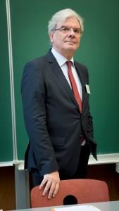 Me Edmond Jacoby , Vice-président du Conseil supérieur du Notariat