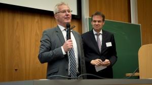 Prof. Dr. Uwe Hartmann, Vize-Präsident der Universität des Saarlandes und