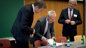 Prof. Dr. Uwe Hartmann, Vize-Präsident der Universität des Saarlandes